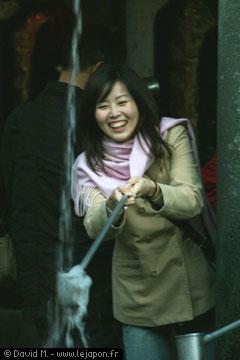 Japonaise et la fontaine magique