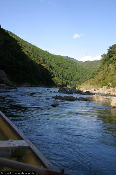 Rivière de montagnes au Japon