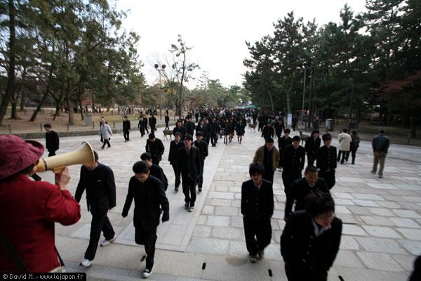 Des étudiants à l'attaque des temples de Nara