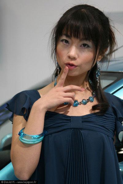 C'est chaud le Tokyo Motor Show au Japon... avec de jolies japonaises !