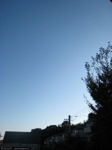 Ciel bleu après Typhon au Japon