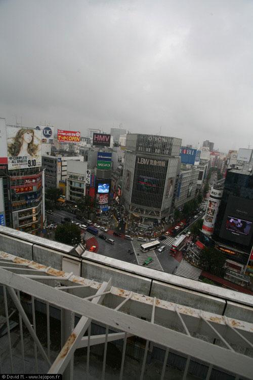 Shibuya vu du gratte ciel d'en face... sous la pluie