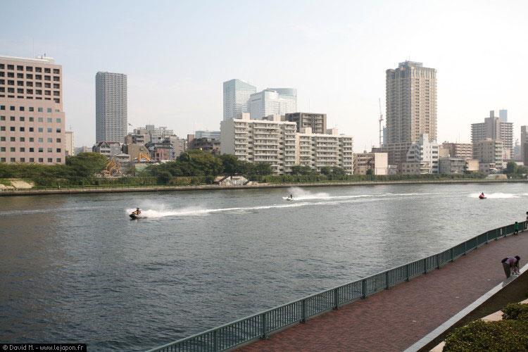 Jet Ski sur Sumidagawa river