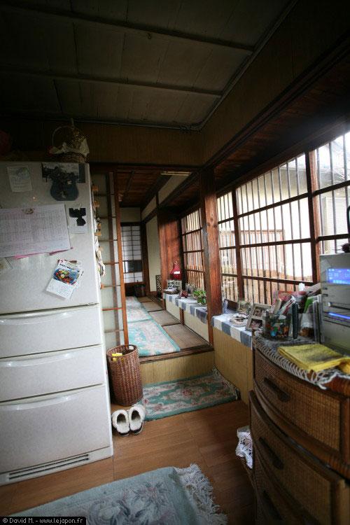 le japon vu de l 39 int rieur d 39 une maison japonaise le. Black Bedroom Furniture Sets. Home Design Ideas