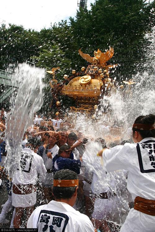 Fukagawa Hachiman Matsuri - Water Festival ou T-shirt mouillés japonais