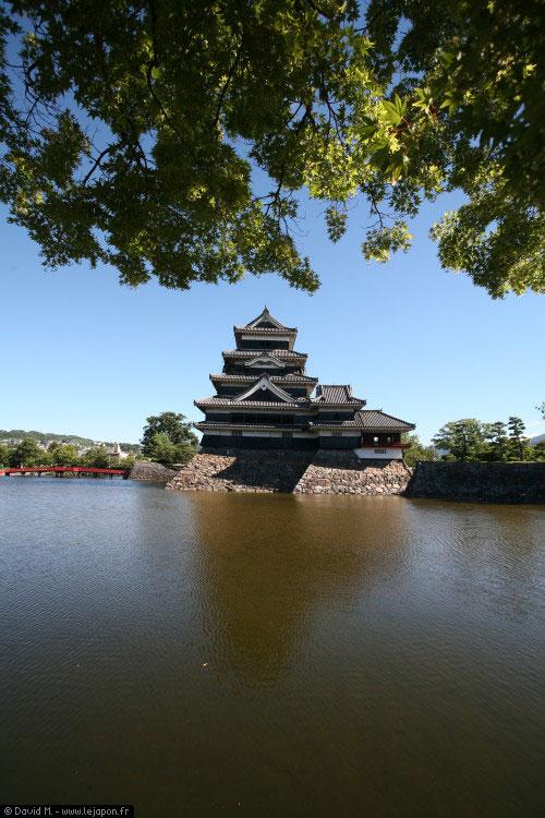 Château noir de Matsumoto dit du corbeau